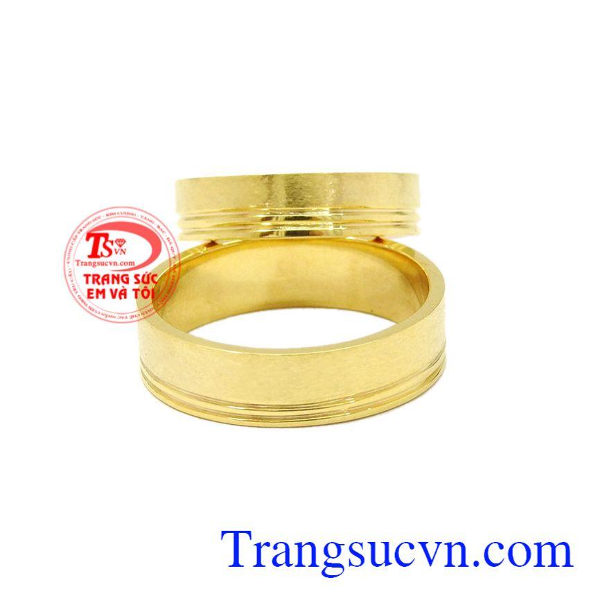 Nhẫn cưới vàng trơn 10k sẽ là sự lựa chọn hoàn hảo dành cho những cặp đôi sắp cưới.