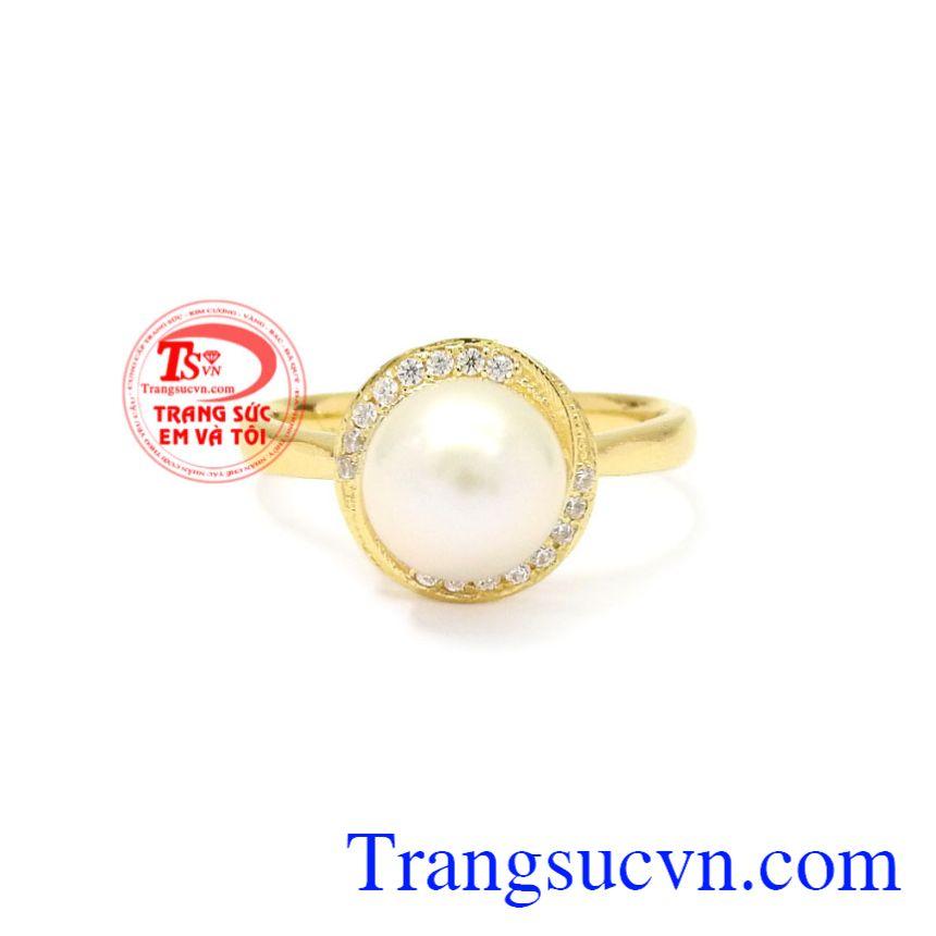 Ngọc trai là viên ngọc được yêu thích nhất mọi thời đại. Nhẫn nữ vàng ngọc trai đẹp