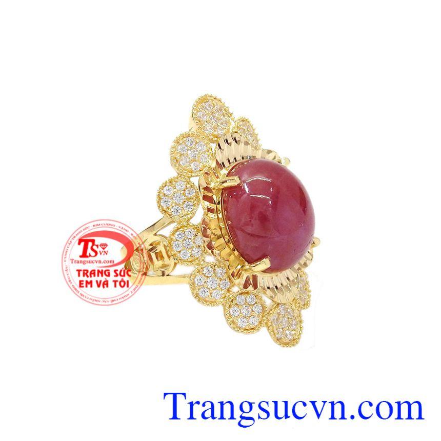 Nhẫn nữ vàng Ruby sao độc đáo tôn lên vẻ sang trọng, quyền quý cho người đeo.