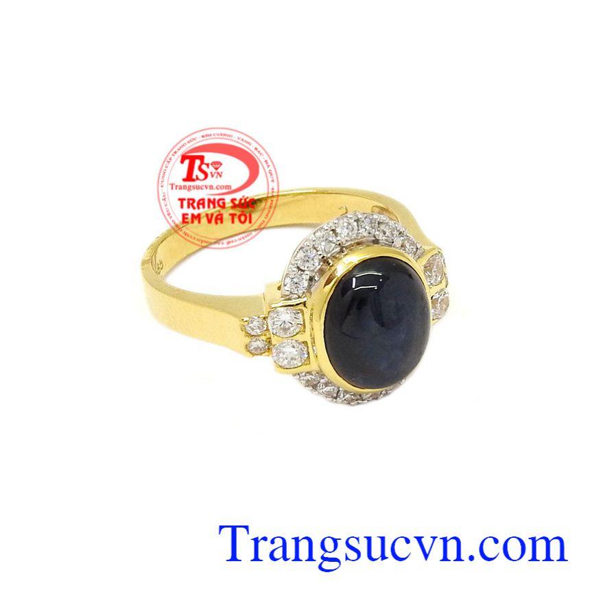 Nhẫn nữ vàng Sapphire sang trọng hợp thời trang.