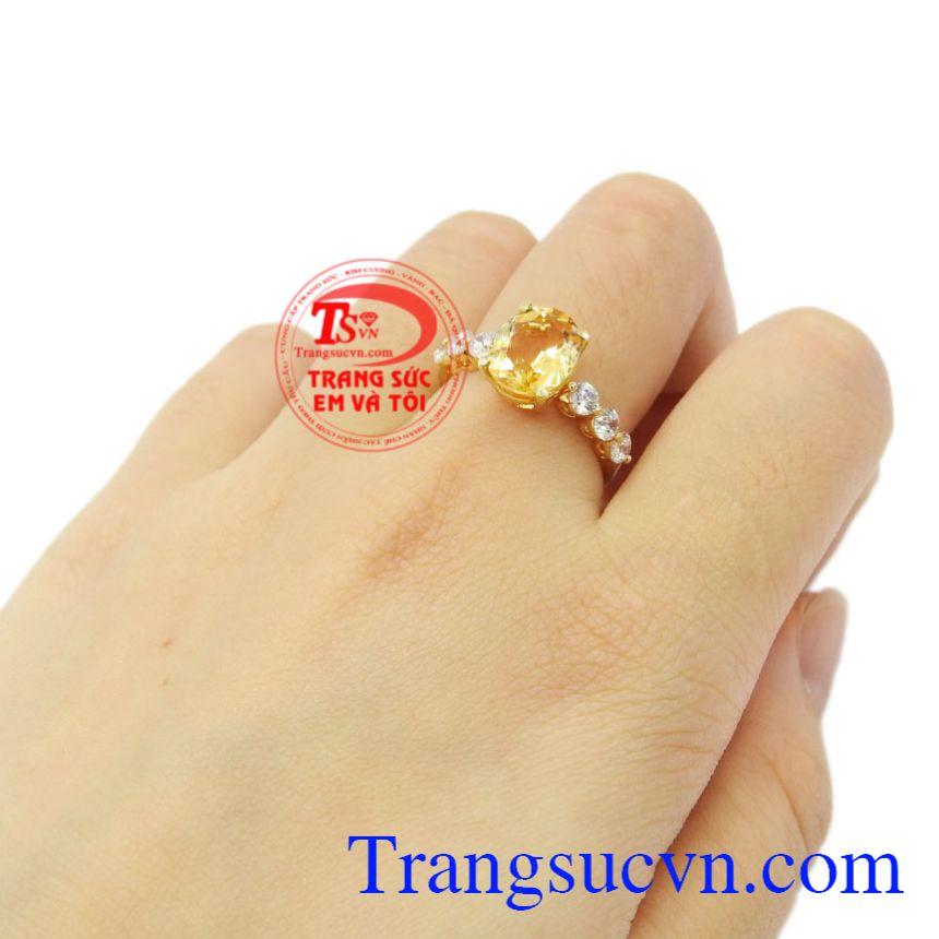 Nhẫn nữ vàng thạch anh vàng đẹp.