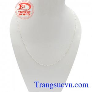 Dây chuyền bạc dịu dàng là sản phẩm chất lượng bạc 925 cao cấp, được thiết kế độc đáo, sang trọng