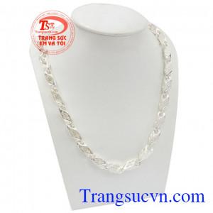 Dây chuyền bạc nam thành công với chất lượng bạc 925 cao cấp là món quà ý nghĩa dành cho phái mạnh