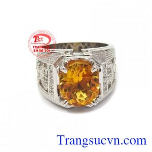 Nhẫn bạc thạch anh vàng đẳng cấp dễ dàng kết hợp nhiều phong cách thời trang khác nhau.