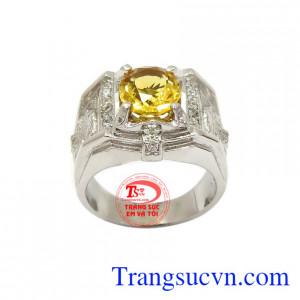 Nhẫn bạc thạch anh vàng mạnh mẽ đeo hợp thời trang, sang trọng và đẳng cấp