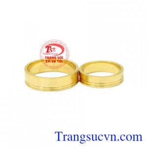 Nhẫn cưới vàng trơn 10k kiểu dáng đơn giản , hiện đại mang lại hạnh phúc lứa đôi.