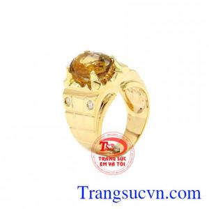 Nhẫn nam vàng Citrine chất lượng được thiết kế tinh tế, phù hợp với những người mệnh Thổ, Kim.