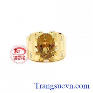 Nhẫn nam vàng Citrine chất lượng với sự kết hợp của thạch anh vàng thiên nhiên và vàng 14k làm nổi bật vẻ đẳng cấp cho phái nam.