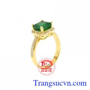 Nhẫn nữ vàng Emerald thiên nhiên