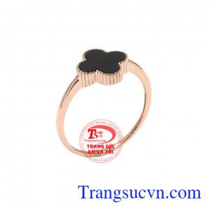 Nhẫn nữ vàng hồng cỏ 4 lá