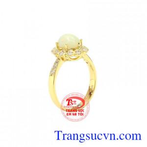 Nhẫn nữ vàng Opal