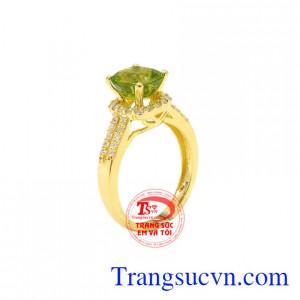 Nhẫn nữ vàng Peridot thiên nhiên