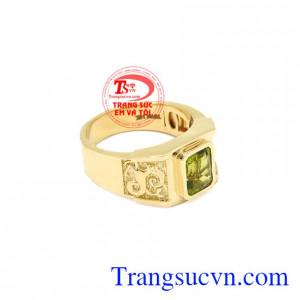Nhẫn nữ vàng Peridot tinh tế có giấy kiểm định đá quý uy tín.