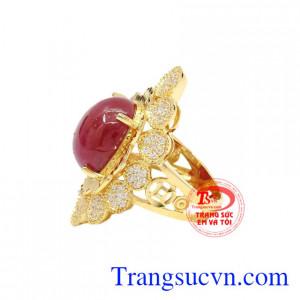 Nhẫn nữ vàng Ruby sao độc đáo giao hàng trên toàn quốc.