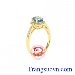 Nhẫn nữ vàng Topaz đẹp