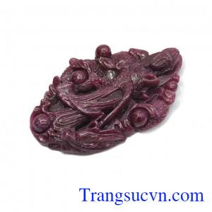 Đá ruby là đá quý thiên nhiên được nhiều người săn lùng không chỉ bởi sự quý hiếm mà còn mang nhiều ý nghĩa may mắn khắc
