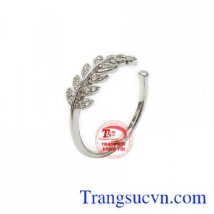 Nhẫn nữ lá vàng trắng thời trang