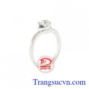 Nhẫn nữ vàng trắng trái tim đẹp