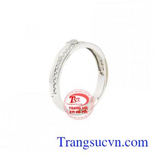 Nhẫn nữ vàng trắng trái tim nhỏ xinh