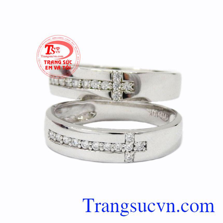 Nhẫn cưới vàng trắng trơn giao hàng trên toàn quốc, bảo hành uy tín.