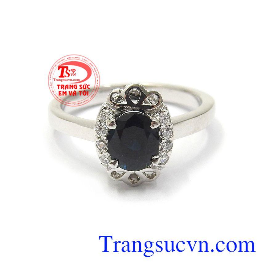 Sapphire là viên đá luôn mang lại may mắn, bình an và thịnh vượng cho người đeo Nhẫn nữ Sapphire thời thượng