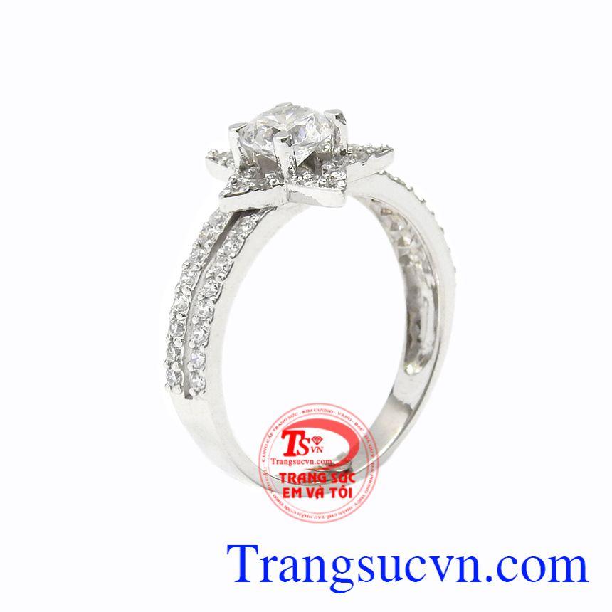 Nhẫn nữ vàng trắng lấp lánh