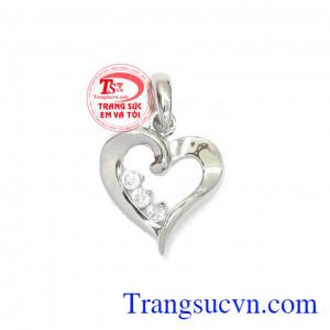Mặt dây trái tim yêu thương
