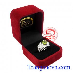 Sản phẩm thích hợp làm quà tặng cho người thân hoặc bạn bè,Nhẫn nam bạc Peridot cá tính