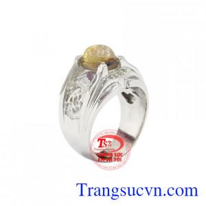 Nhẫn nam bạc thạch anh tóc được chế tác từ đá thạch anh tóc thiên nhiên, chất lượng.