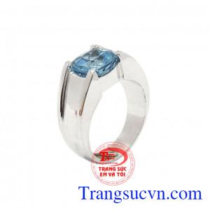 Nhẫn nam bạc Topaz mạnh mẽ với thiết kế mạnh mẽ, nam tính được chế tác từ đá Topaz thiên nhiên chất lượng cao kết hợp bạc 92.5,Nhẫn nam bạc Topaz mạnh mẽ