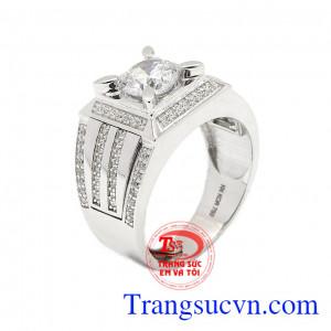 Nhẫn nam vàng trắng công danh là sản phẩm được chế tác tinh tế, lôi cuốn,Nhẫn nam vàng trắng công danh