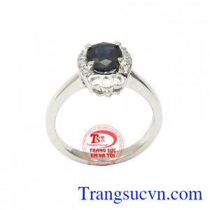 Nhẫn nữ Sapphire thời thượng vàng trắng 14k bền đẹp, chất lượng, có giấy kiểm định kèm theo