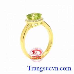 Nhẫn nữ vàng Peridot xinh xắn