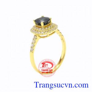 Nhẫn nữ vàng sapphire nữ tính