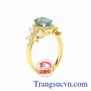 Nhẫn nữ vàng Topaz độc đáo