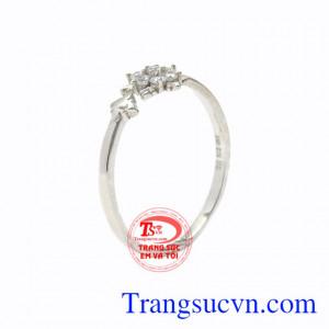Nhẫn nữ vàng trắng hoa tuyết