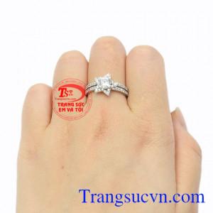 Nhẫn nữ vàng trắng lấp lánh 10k.