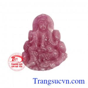 Phật ngọc ruby hạnh phúc phù hợp làm mặt dây chuyền với nét chạm khắc hài hòa và tinh tế