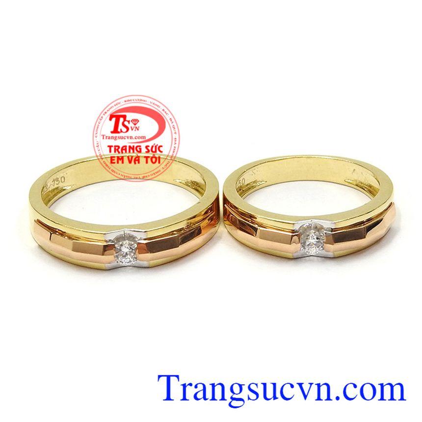 Nhẫn cưới hạnh phúc an yên là tín vật tình yêu thể hiện sự gắn kết yêu thương giữa các cặp đôi
