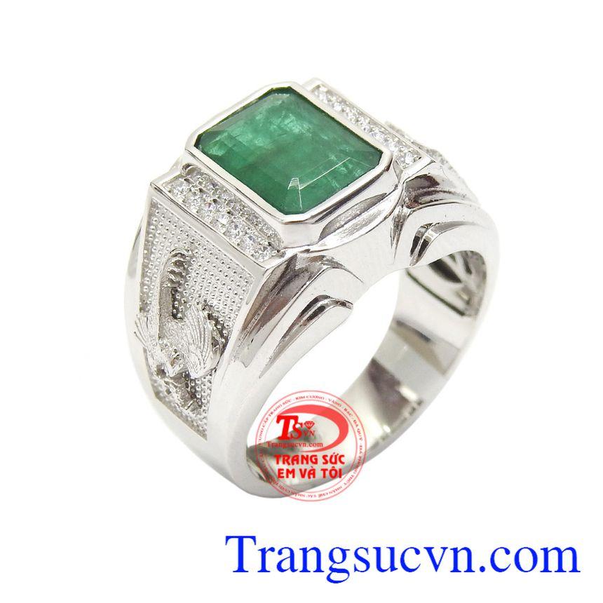 Nhẫn nam Emerald may mắn là vien đá biểu tượng của niềm tin, sự lạc quan, bình an và may mắn, là lá bùa hộ mệnh cho mỗi người