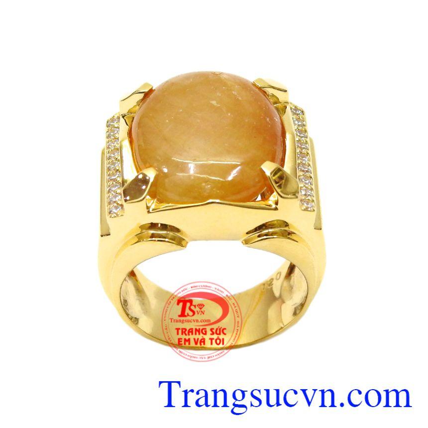 Nhẫn nam vàng Sapphire danh vọng mang lại may mắn, thịnh vượng cho những người mang mệnh Kim và Thổ.