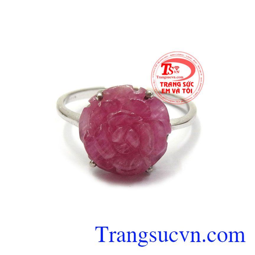 Đá ruby là đá quý thiên nhiên được nhiều người săn lùng không chỉ vì sự quý hiếm mà còn đá ruby với ý nghĩa may mắn và thành công