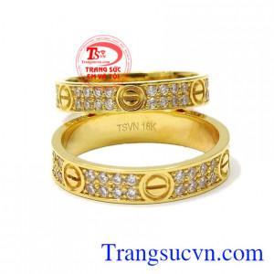Nhẫn cưới vàng tinh tế thương hiệu Em và Tôi nhận đặt thiết kế theo yêu cầu của khách hàng.