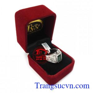 Nhẫn nam Emerald may mắn là món quà ý nghĩa cho người bạn yêu thương