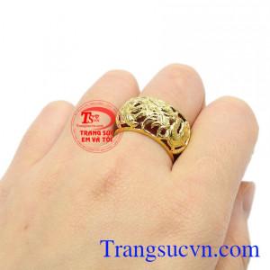 Nhẫn ngọc bọc rồng vàng công danh chất lượng.