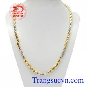 Dây chuyền nam vàng phát lộc được thiết kế sang trọng nhưng vẫn giữ được nét cá tính cho người đeo.