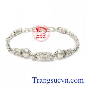 Lắc tay bạc cho bé trai được chế tác tinh tế, khỏe khoắn dành cho các bé trai.