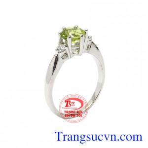 Nhẫn nữ bạc Peridot thanh tú