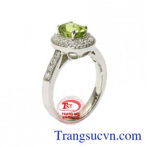 Nhẫn nữ bạc Peridot thiên nhiên