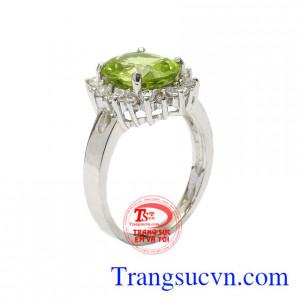 Nhẫn nữ bạc Peridot trang nhã